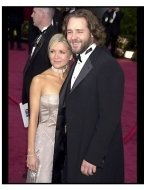 Academy Awards 2002 Mens Fashion: Russell Crowe and Danielle Spencer