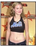 Julia Stiles at the 2001 MTV Movie Awards
