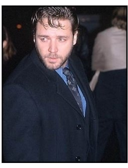 Russell Crowe at the Proof of Life premiere