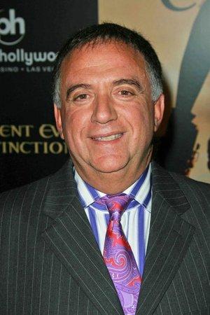 Robert Earl