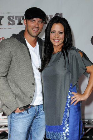 Sara Evans Husband http://www.hollywood.com/photos/misc/3508474/sara-evans