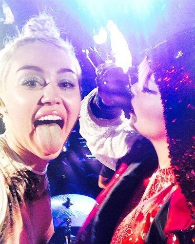 Miley Cyrus, Lily Allen