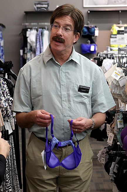Undercover Boss TV Still from episode featuring Loehmann CEO Steven Newman