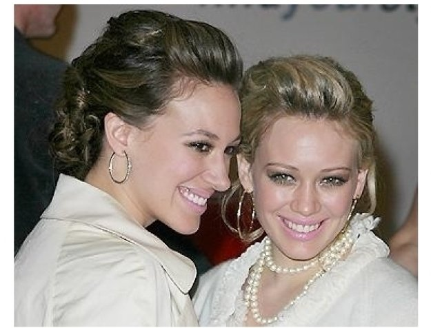 Ten/GM RC: Haylie and Hilary Duff