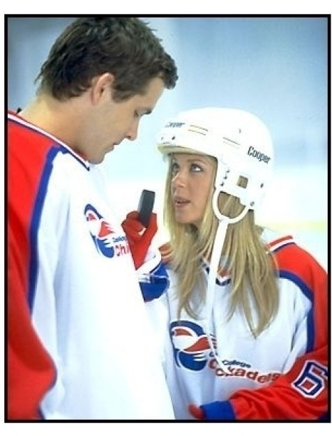 National Lampoon's Van Wilder movie still: Ryan Reynolds and Tara Reid