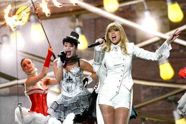 Taylor Swift's Grammys Performance
