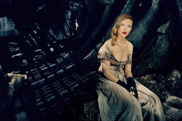 Scarlett Johansson in Les Miserables