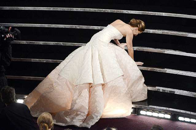 Oscars Jennifer Lawrence Fall