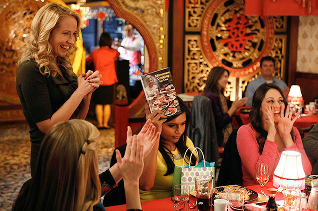 Gwen Camp and Mindy Kaling in 'The Mindy Project'