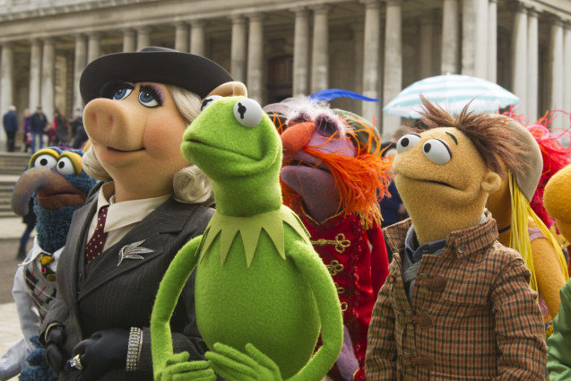 Muppets Most Wanted, Kermit the Frog, Miss Piggy and Walter
