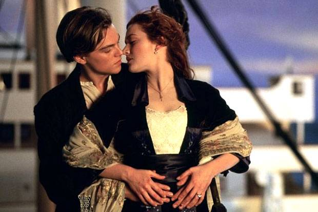 Titanic Memories Jack and Rose Kiss