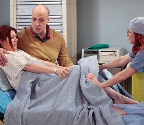himymlilygivingbirth.jpg
