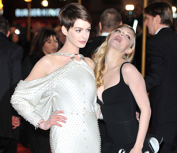 Anne Hathaway Amanda Seyfried