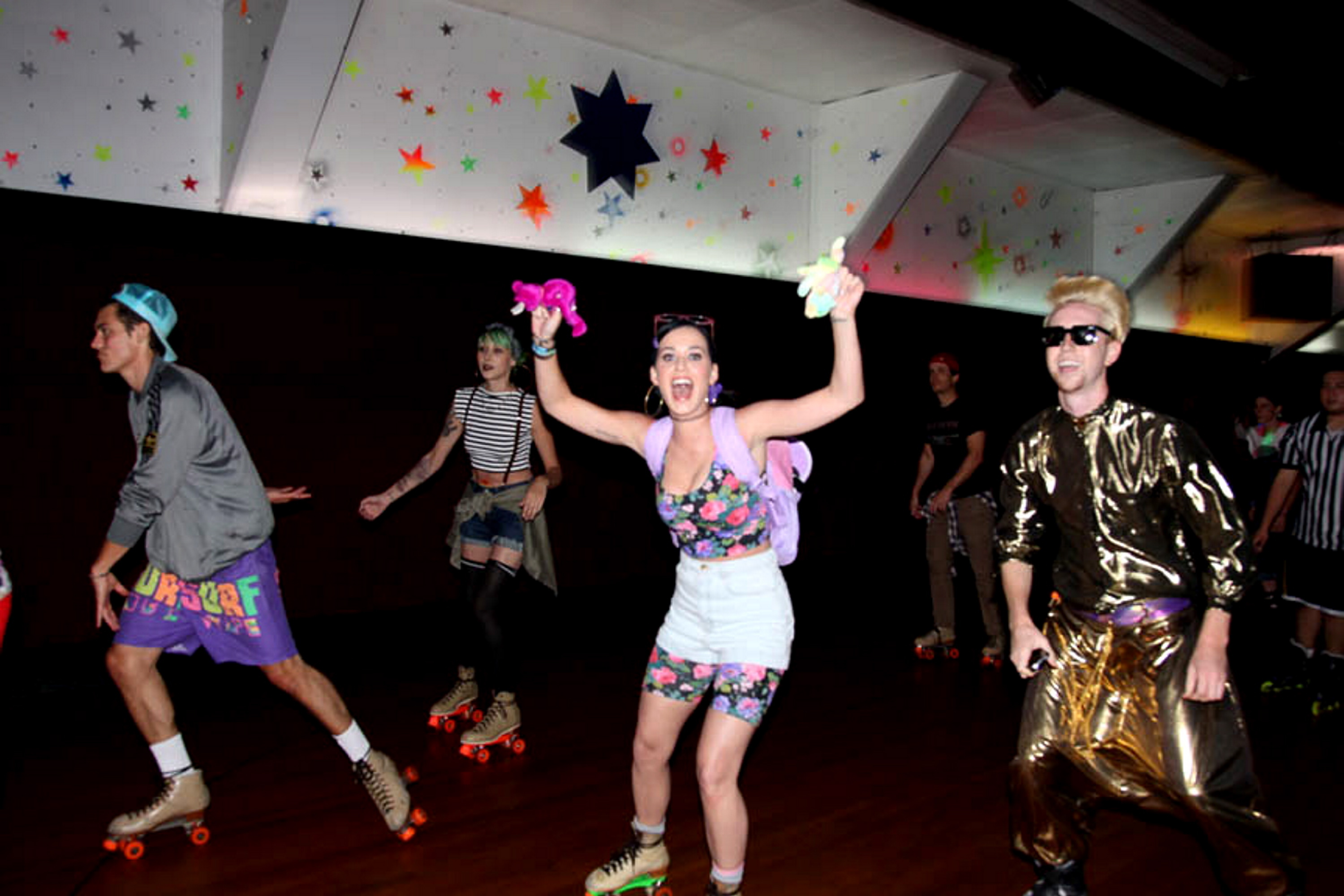 Katy Perry 90s Party3