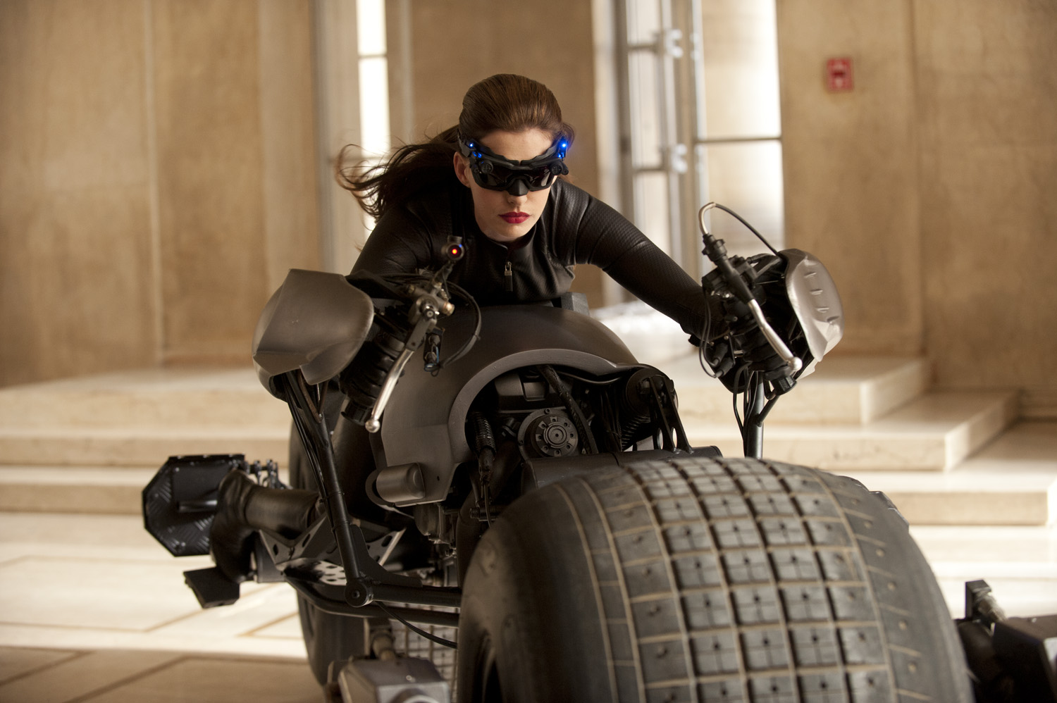 selina_kyle-dark-knight.jpg